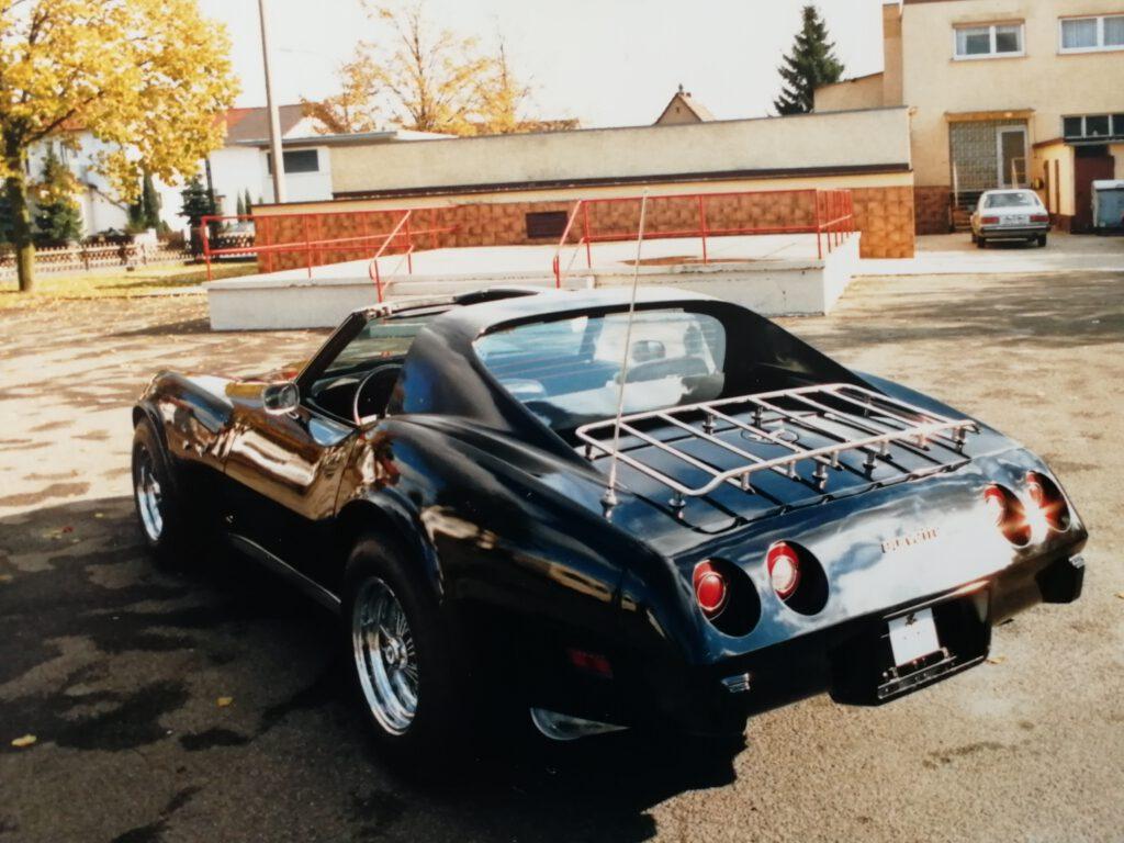 Heckansicht der 77er Corvette